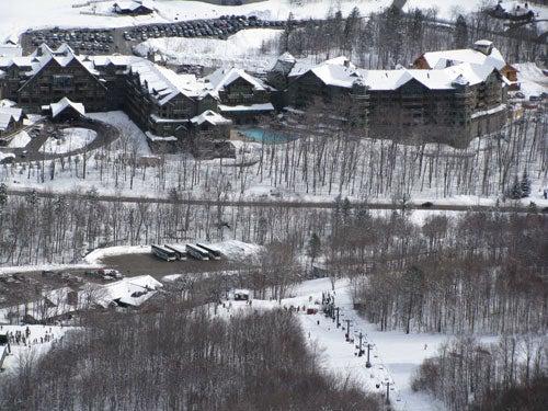 stowe_mtn_lodge_aerial.jpg