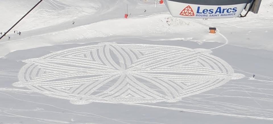 simon-beck-snowart2.jpg