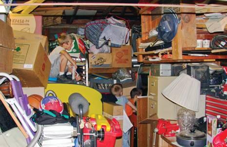 Reducing Clutter feeling overwhelmedclutter? 7 stress-reducing tips