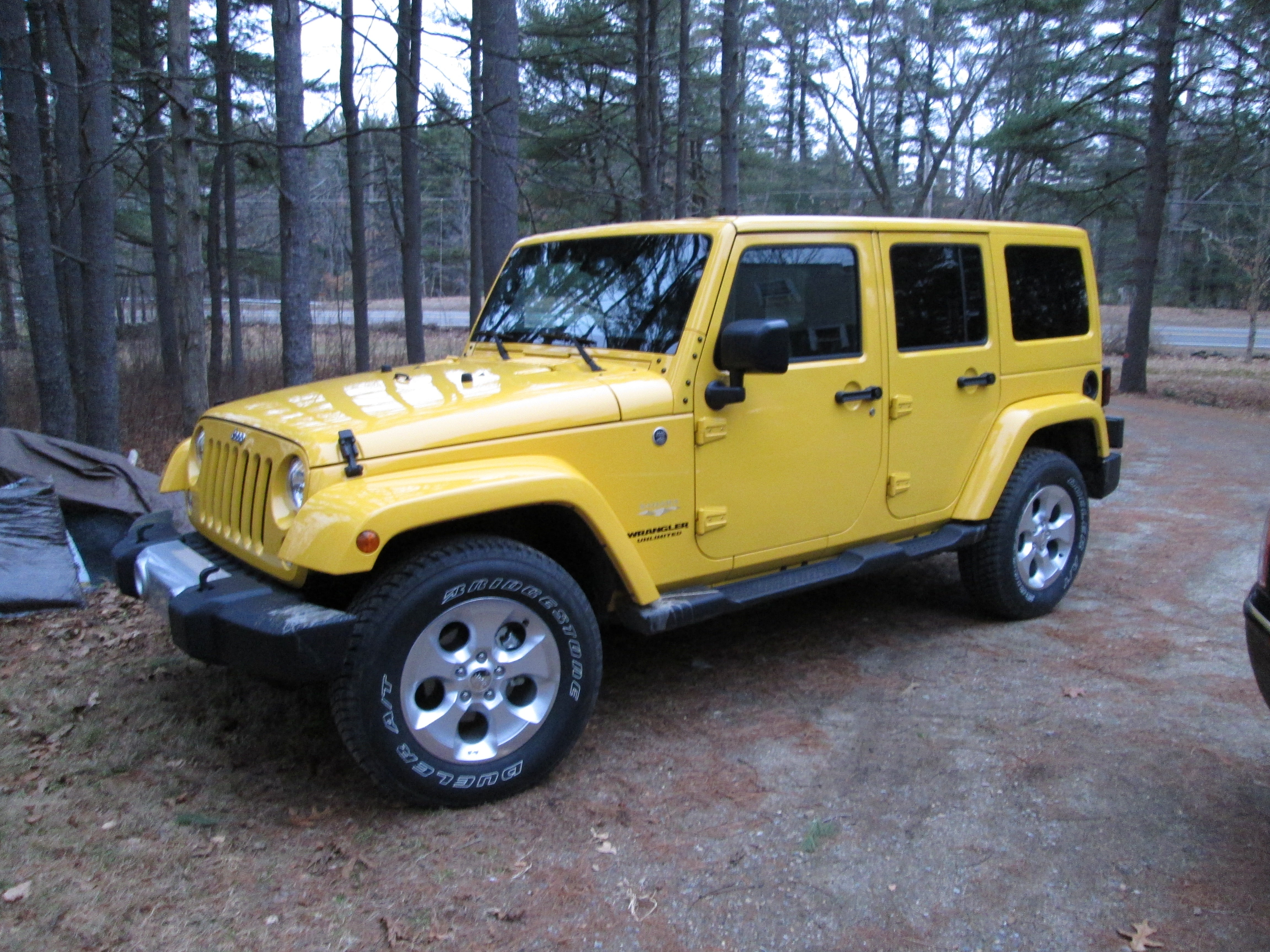 Jeep Wrangler s Sahara Takes You f Road in Style