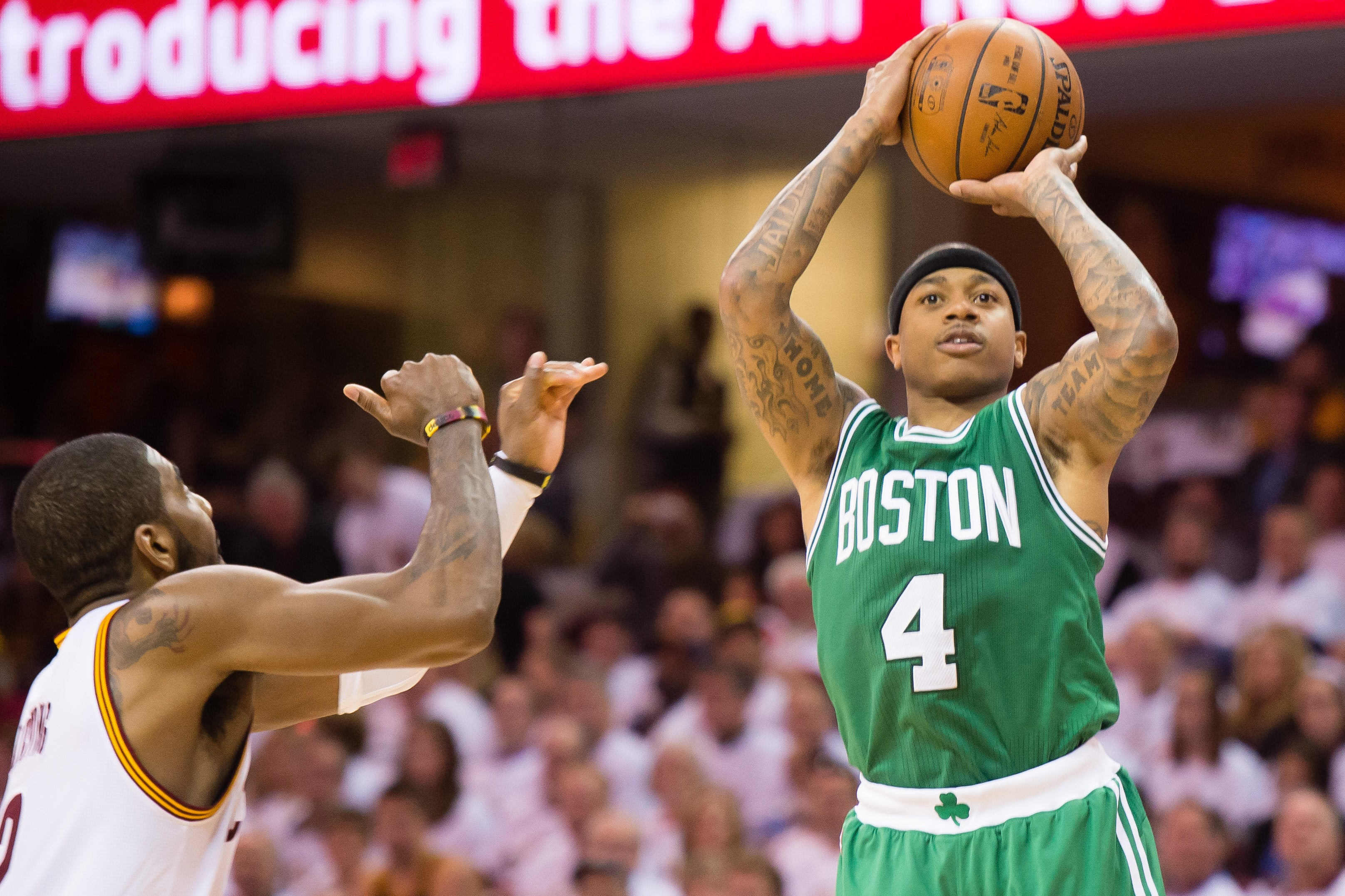 isaiah thomas shines but celtics starters struggle in game 1