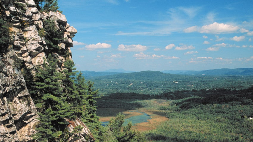 18 Beautiful Hiking Trails In Massachusetts Boston Com