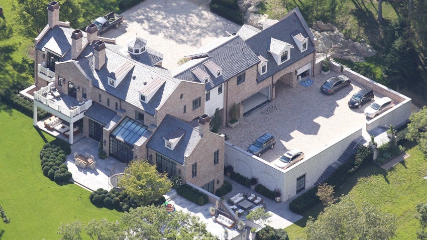 see tom brady and gisele s brookline house