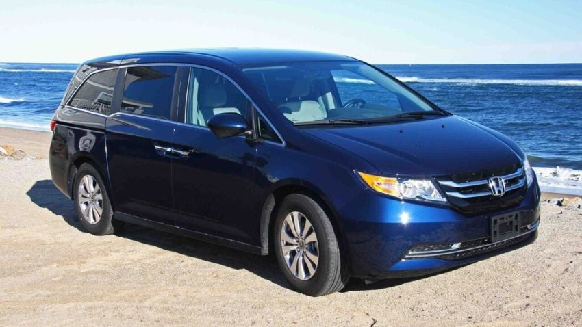 the 2016 honda odyssey vs the 2016 kia sedona. Black Bedroom Furniture Sets. Home Design Ideas