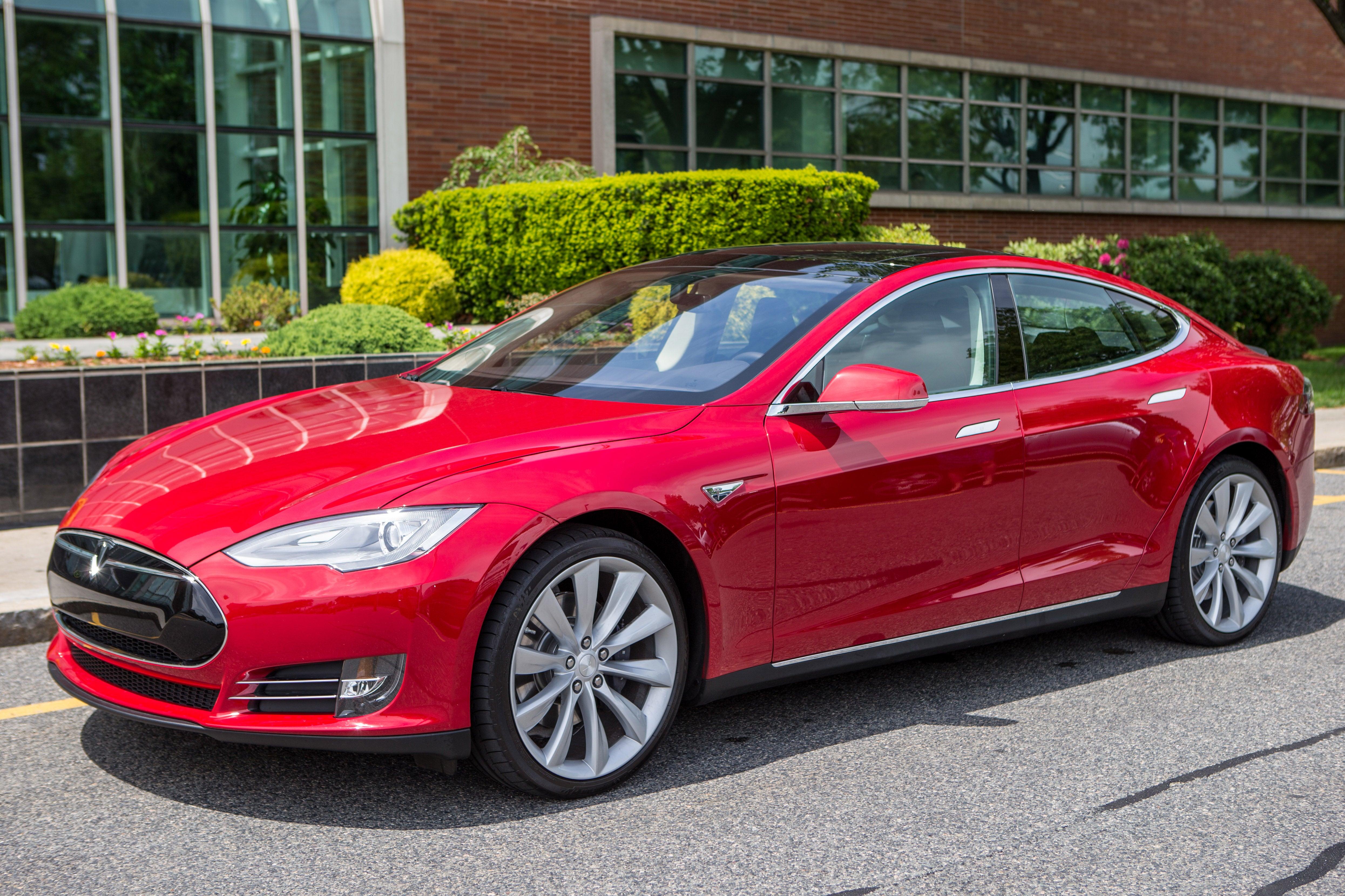 Tesla Model S. Model years: 2012-13, 2015.