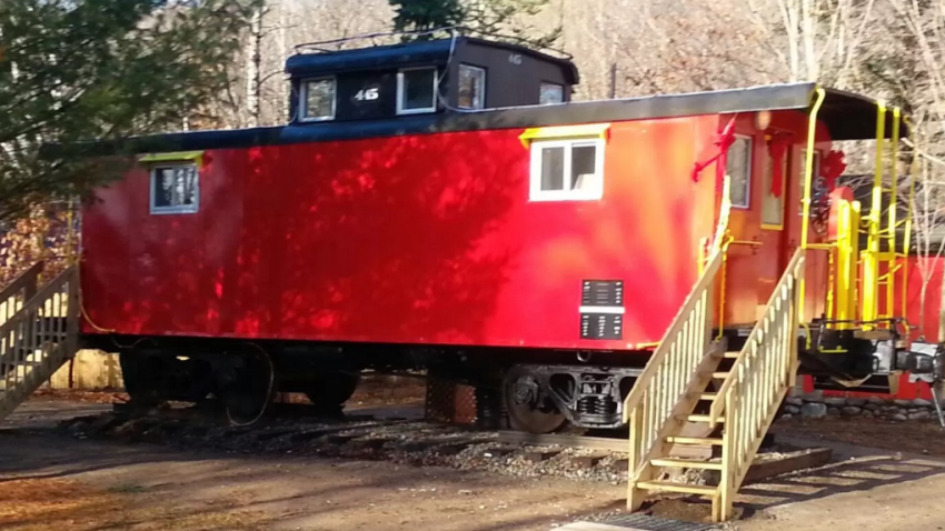 The little red caboose in Lincoln, NH
