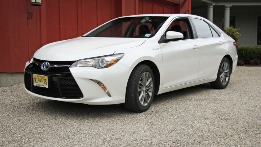 Review Toyota S 2016 Camry Hybrid Is An Underreciated Way To Ride Boston