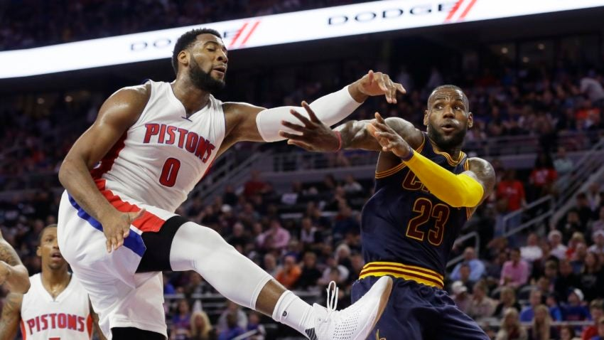 Pistons-drummond-basketball-850x478