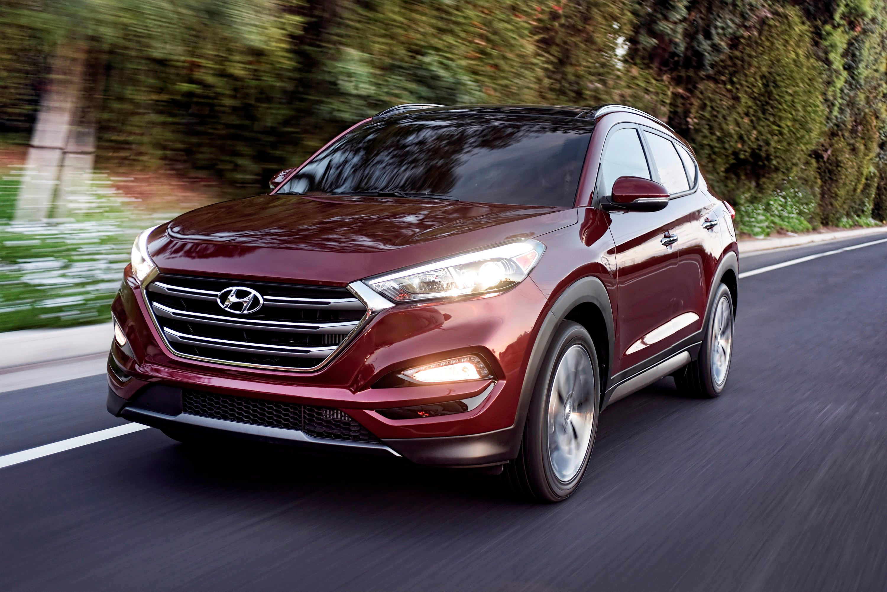 The Insurance Institute for Highway Safety said Tuesday that none of the 21 SUVs tested earned its highest ranking.