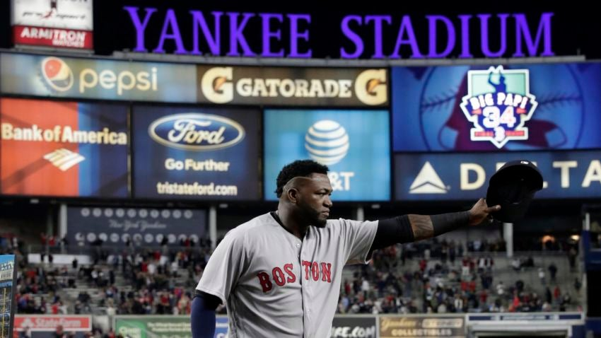 David Ortiz given standing ovation in Yankee Stadium finale