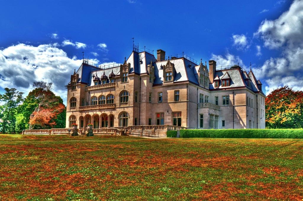 Newport Cliff Walk mansion.