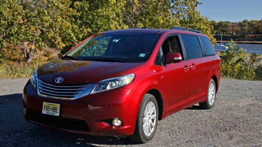 Review: 2017 Toyota Sienna offers all-wheel drive for New ...