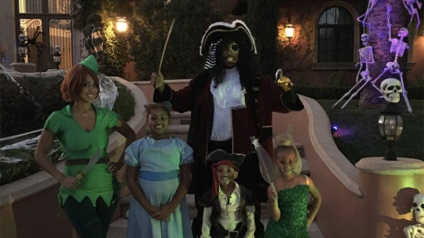paul pierce continues his esteemed halloween costume tradition with the rest of the pierce family - Paul Pierce Halloween