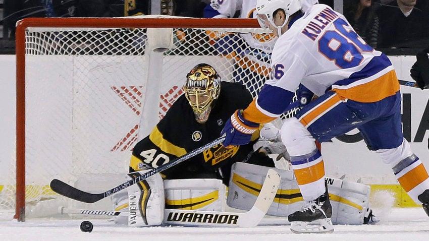 Islanders_bruins_hockey_94369-850x478