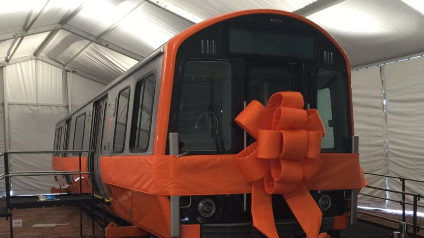 Get a sneak peek of new orange line trains at city hall plaza sciox Gallery