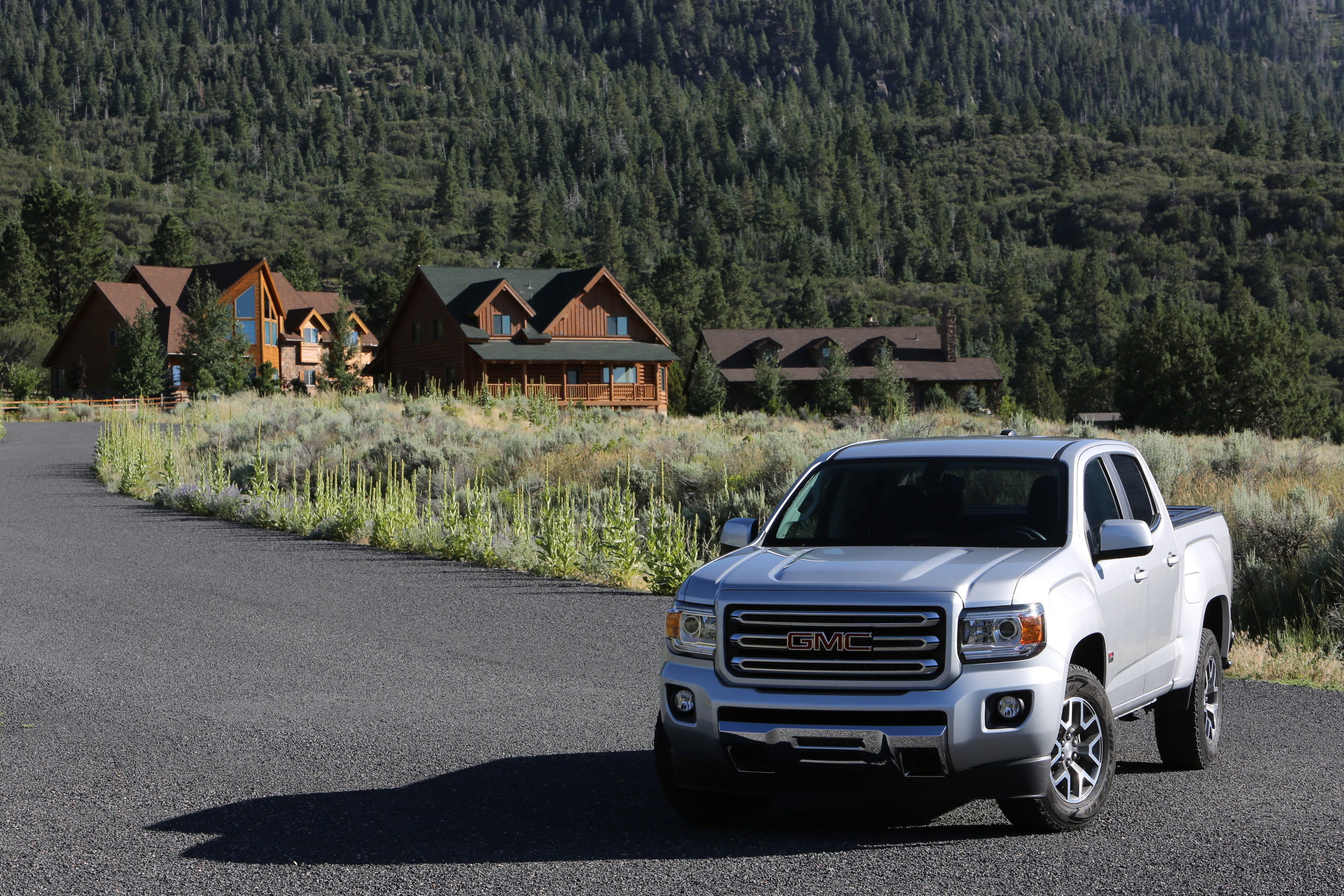 What the experts say about the 2018 GMC Canyon