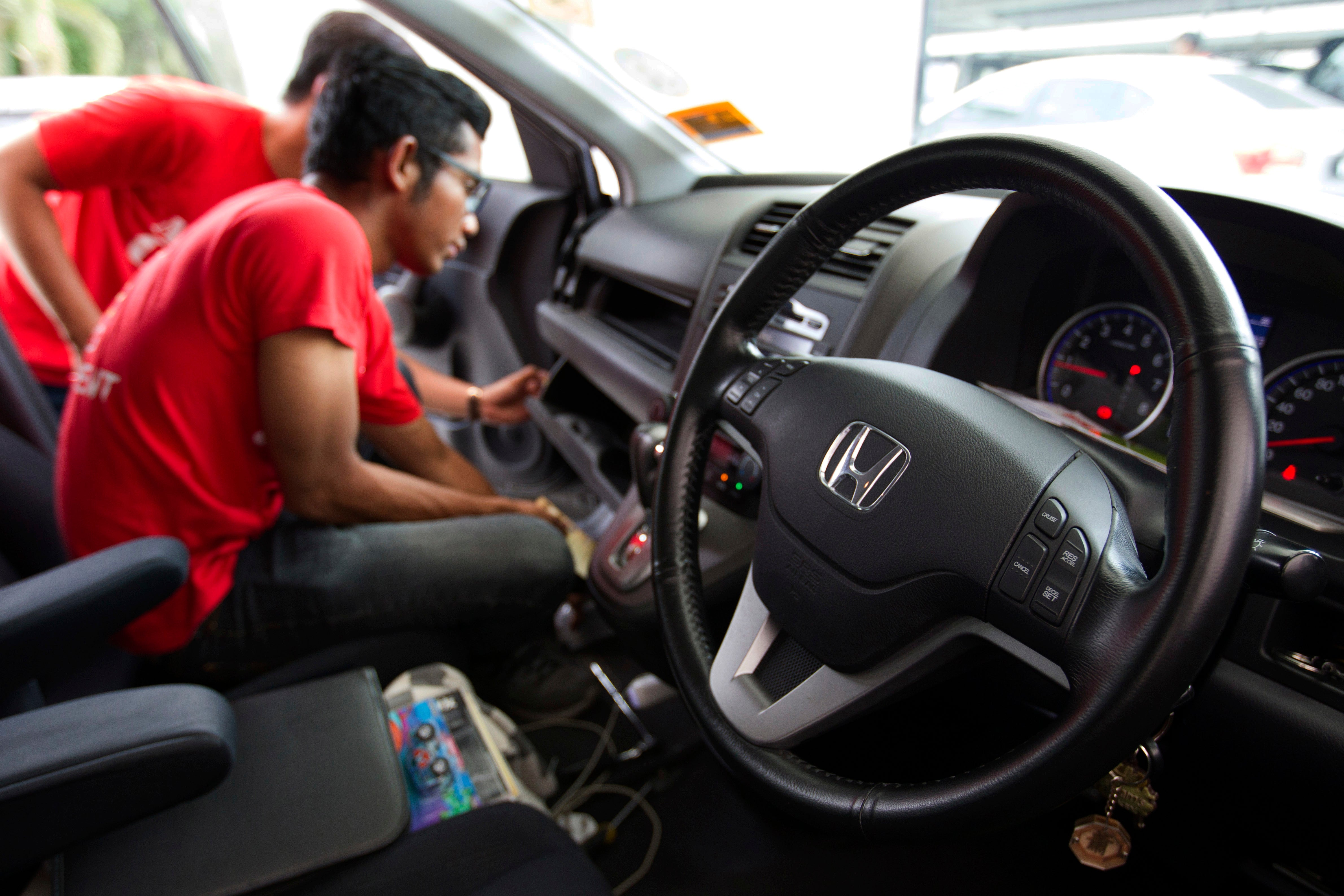 Auto Airbag Settlement >> Honda Owners Could Get Up To 500 In Air Bag Settlement Boston Com