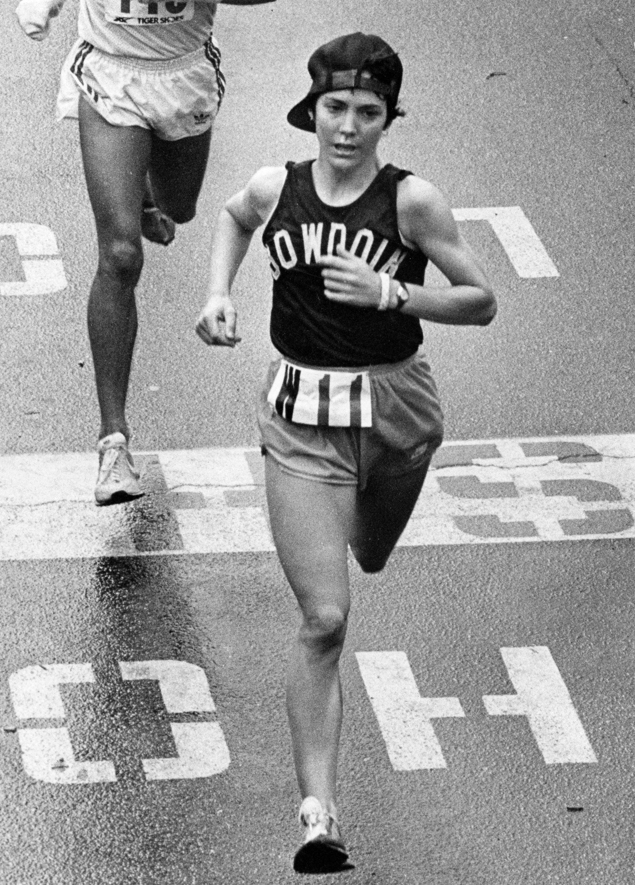 Joan Benoit Samuelson wins the 1979 Boston Marathon