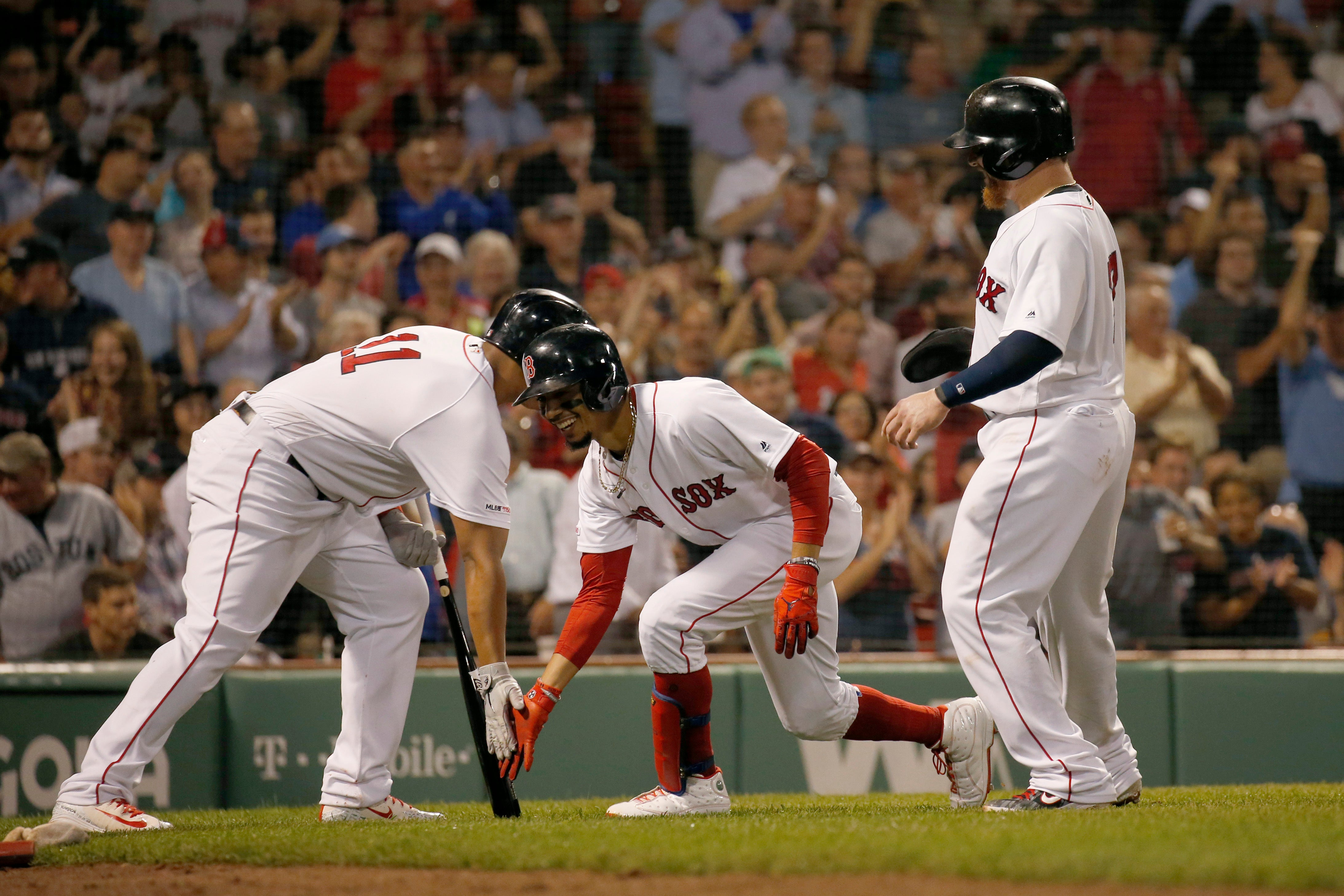 Mookie Betts Leads Red Sox To 6 2 Win Over Twins Bostoncom