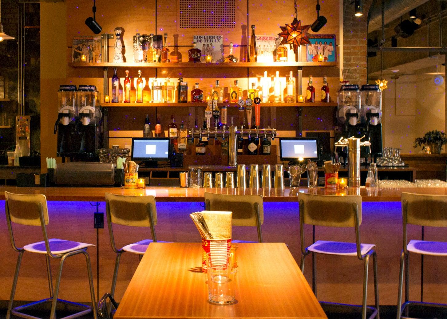 The bar at Cósmica