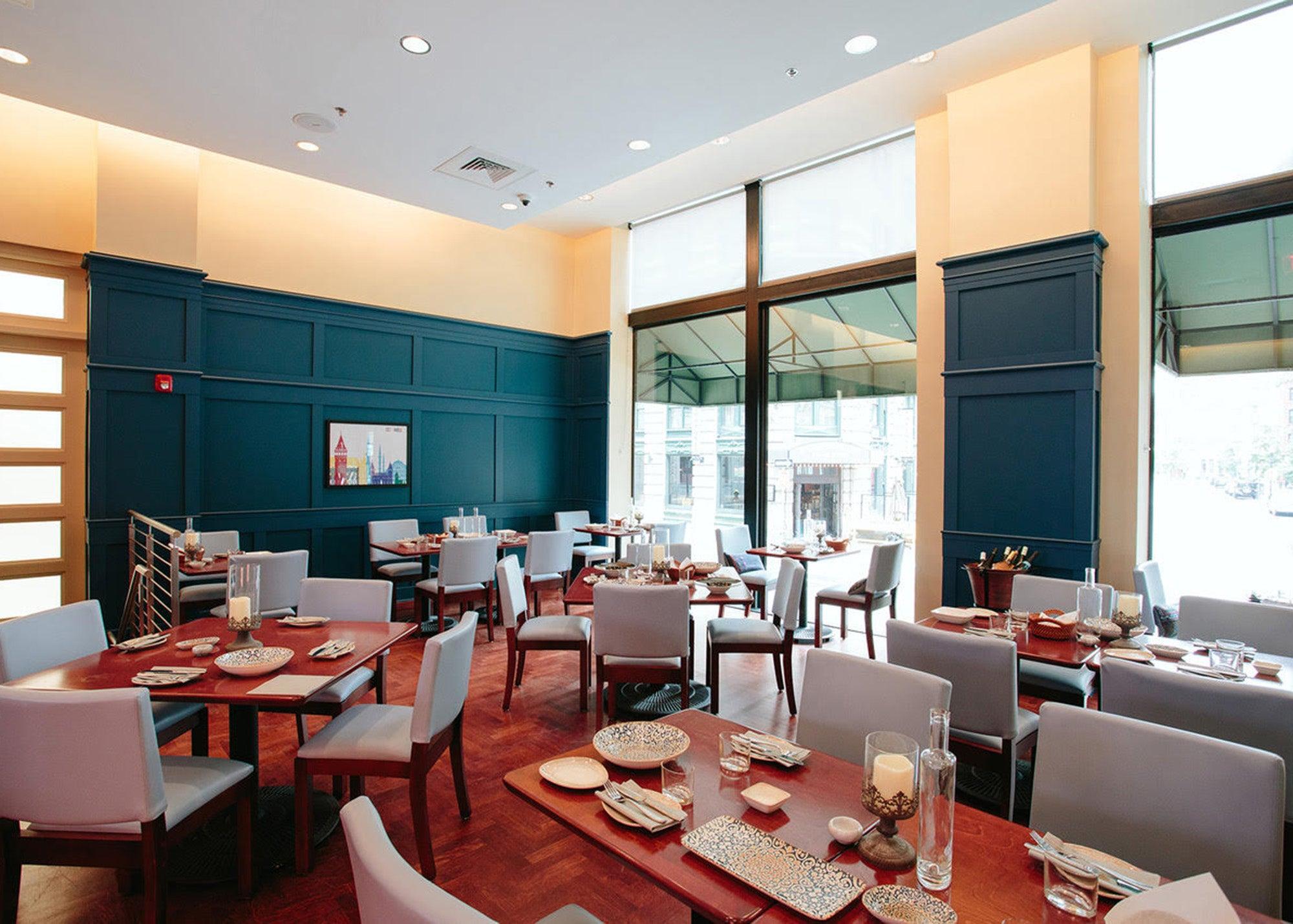 Dining room at Servia