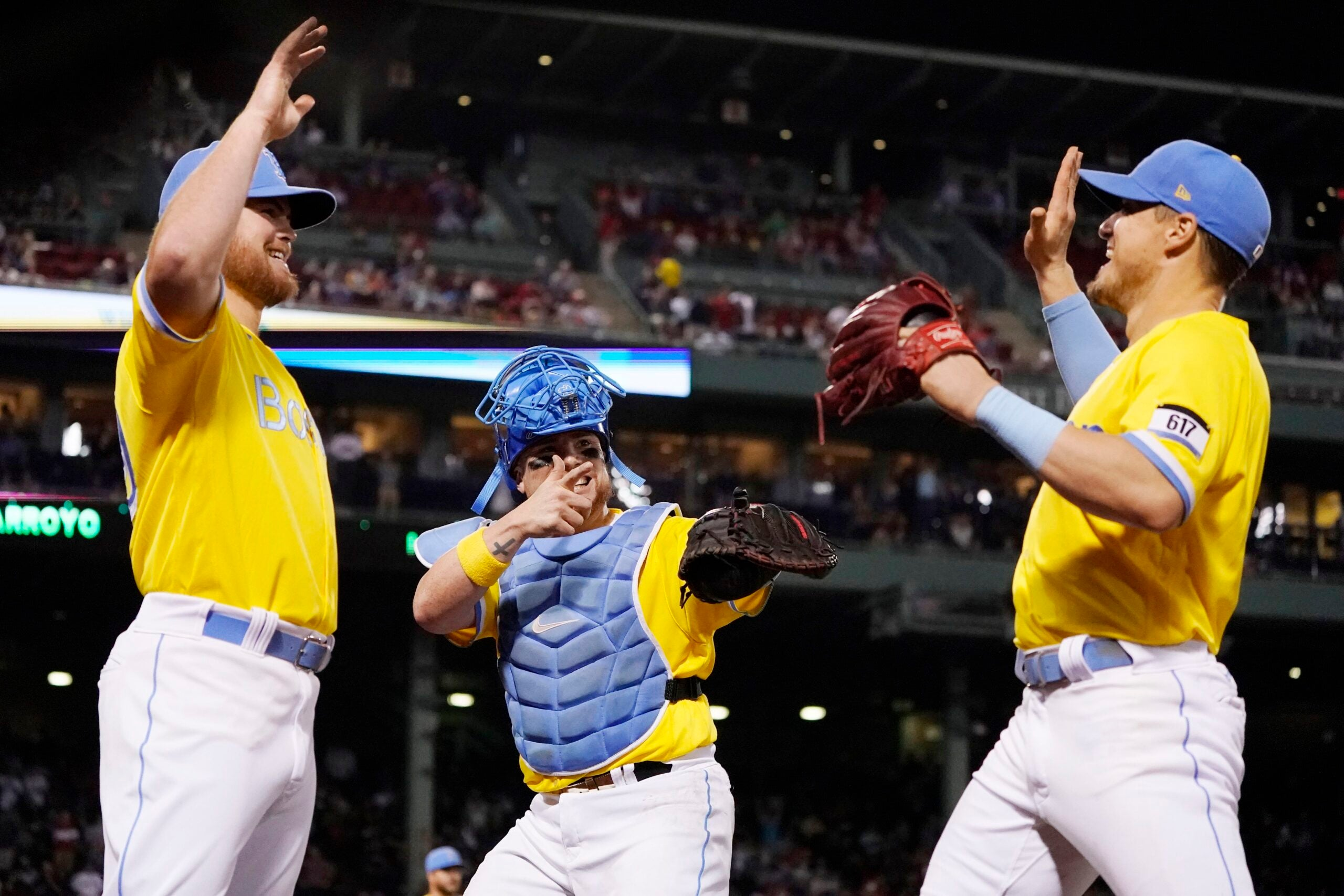 MLB green lights Red Sox' yellow jerseys for playoffs