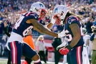 Mac Jones, Patriots pound Jets for first home victory of 2021